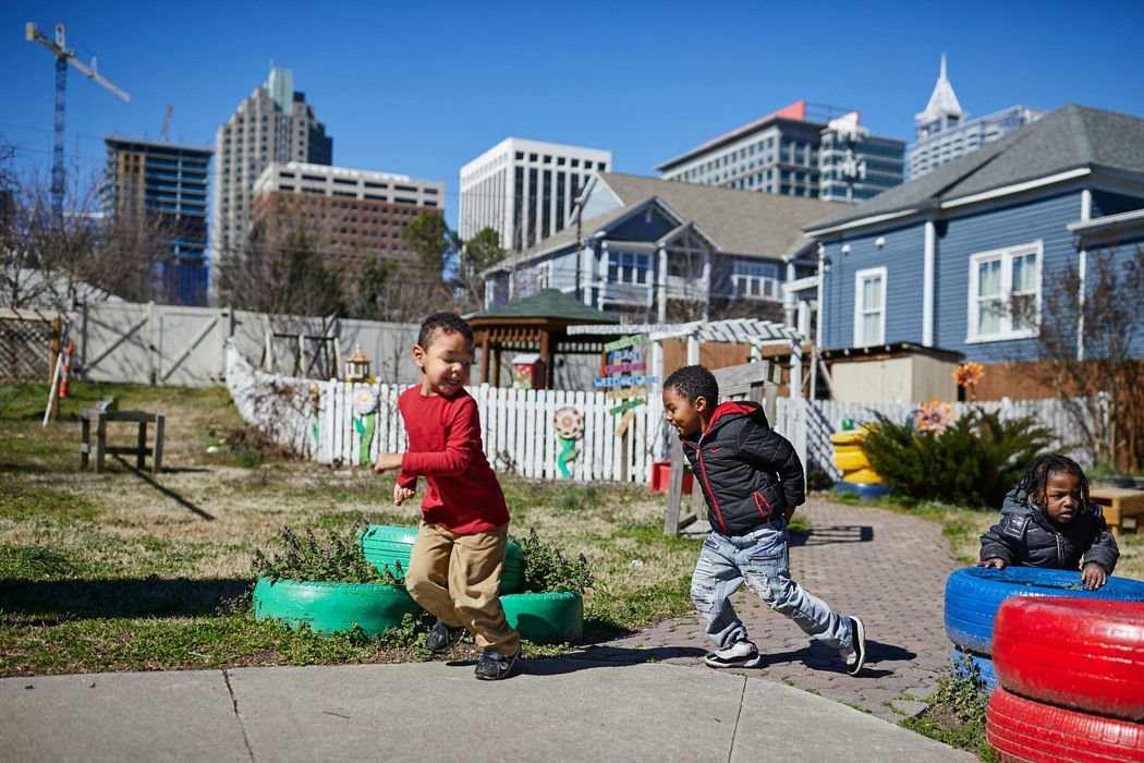 Living in Better Neighborhood May Protect Health of Kids in Poverty