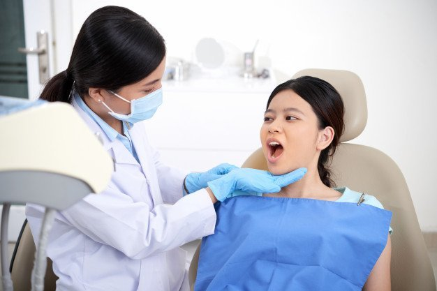 What Is a Holistic Dentist?<br>How to know if your dentist is holistic.