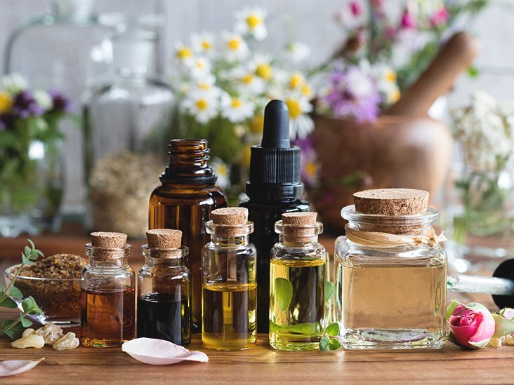 Fighting Early Signs of Aging with Essential Oils