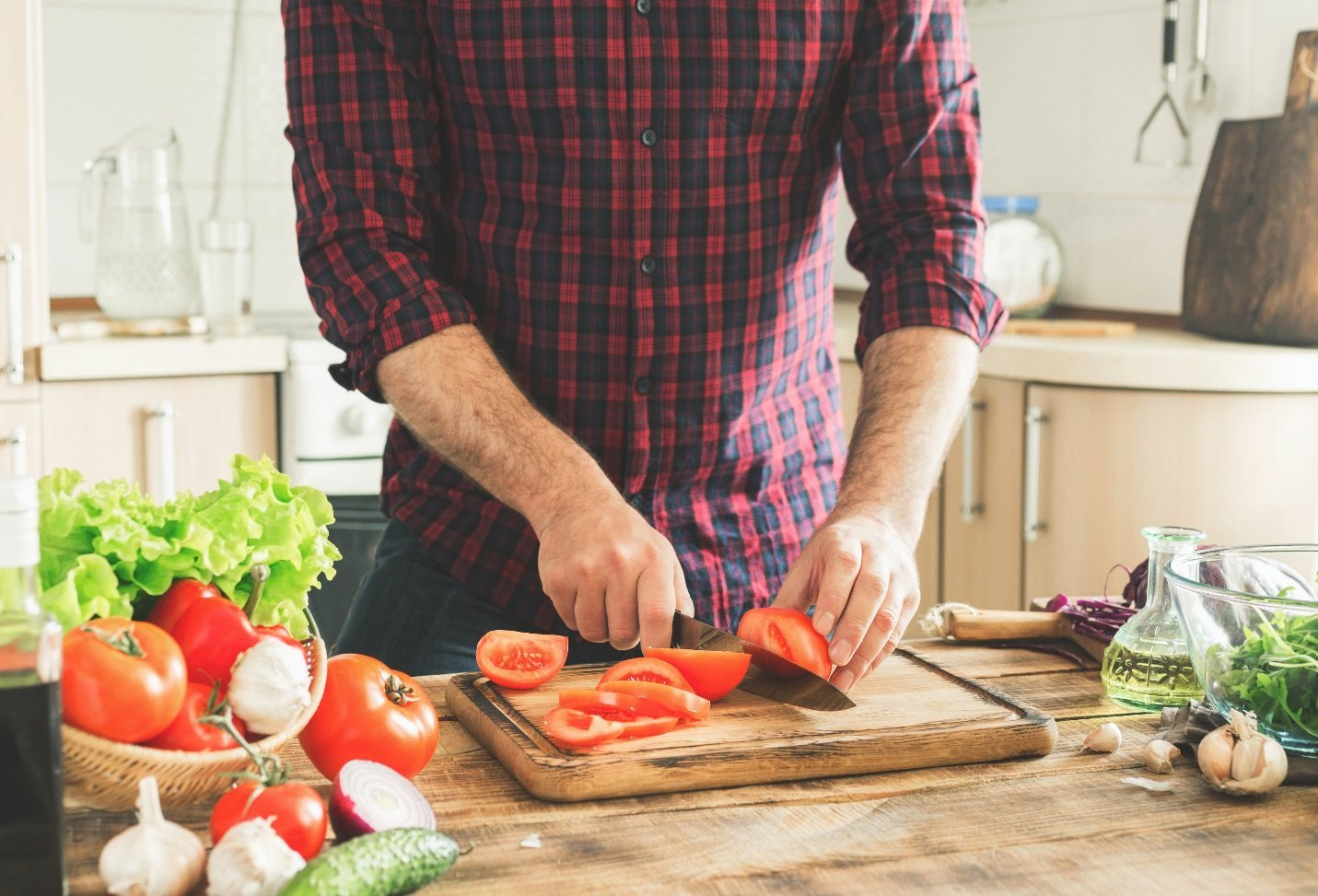 Is It Better to Eat Veggies Raw or Cooked?